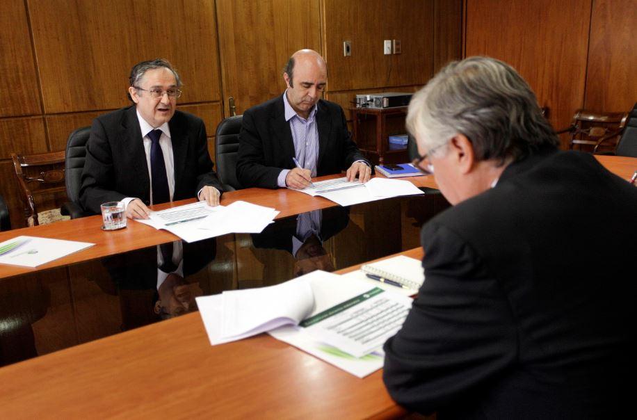 Ministro de Agricultura se reúne con representantes de Chilealimentos