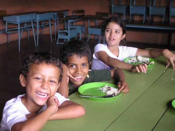 Los países se comprometen a combatir la malnutrición con políticas y acciones firmes