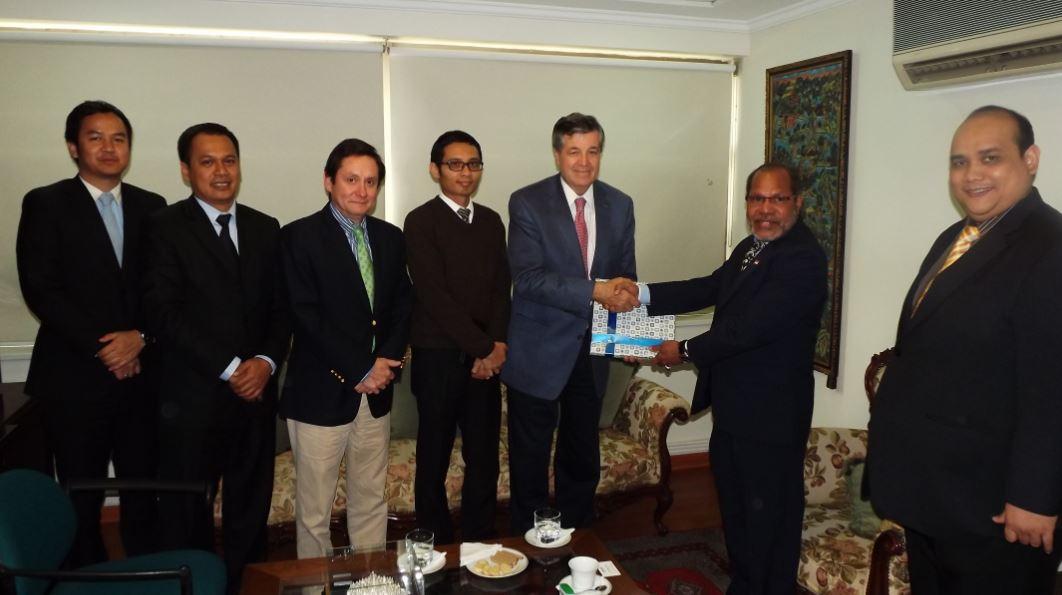 ASOEX y embajador de Indonesia en Chile se reúnen para analizar medidas que faciliten el ingreso de la fruta chilena
