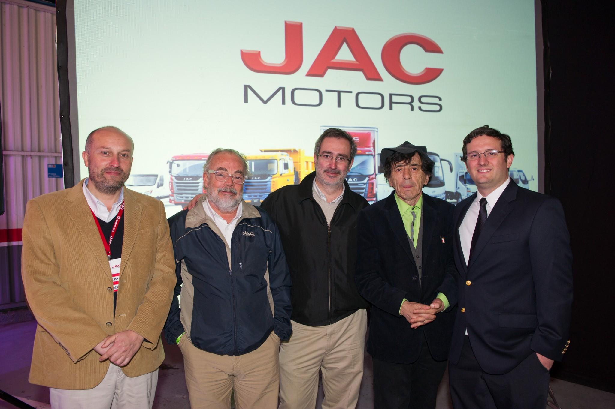 JAC Motors celebra venta de 6.000 camiones en Chile