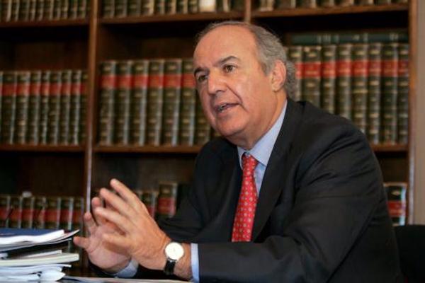 """Luis Mayol: """"Esperamos que se establezca una legislación laboral para la agricultura"""""""