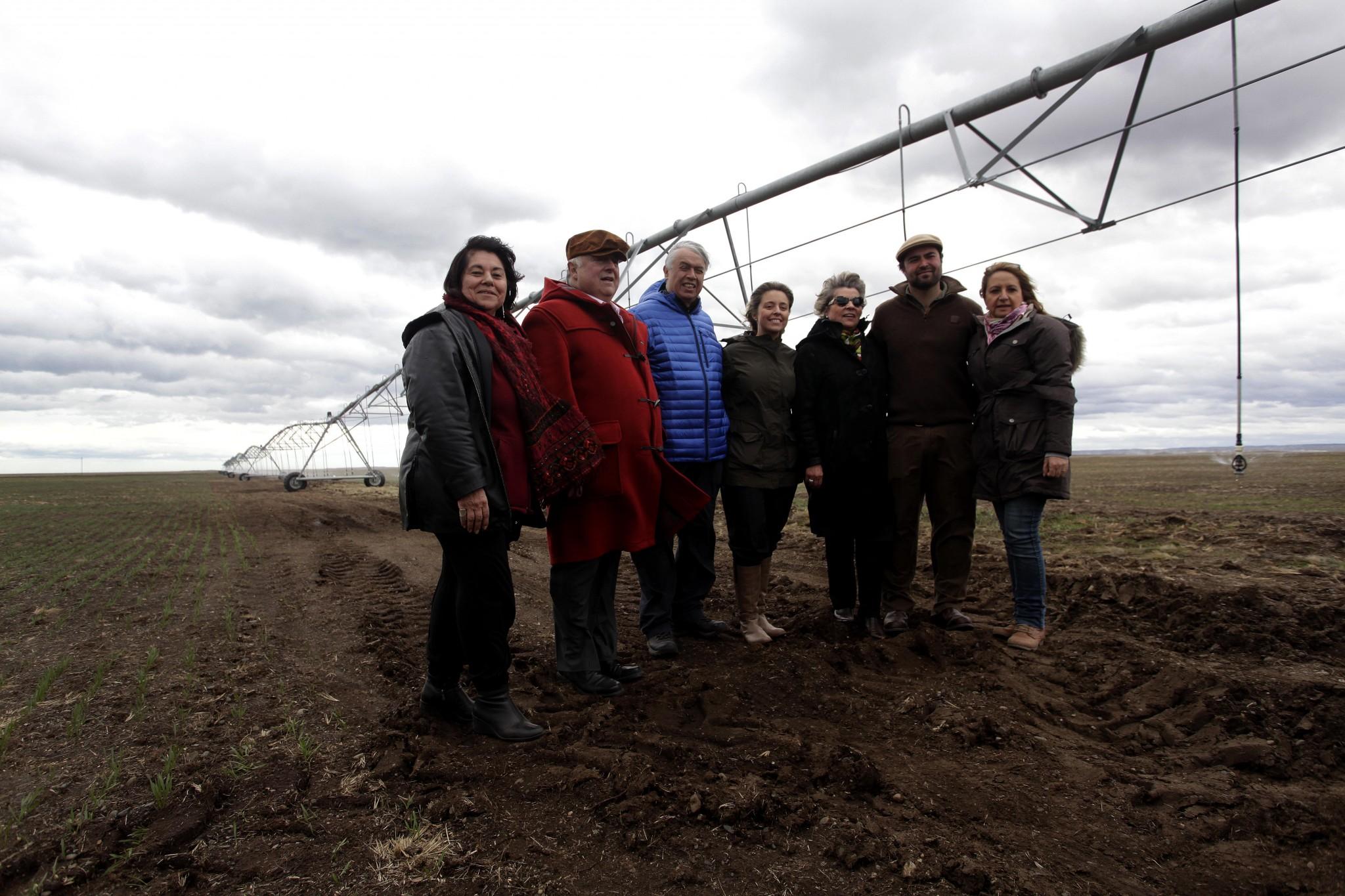 Furche inaugura primer pivote de riego en Tierra del Fuego