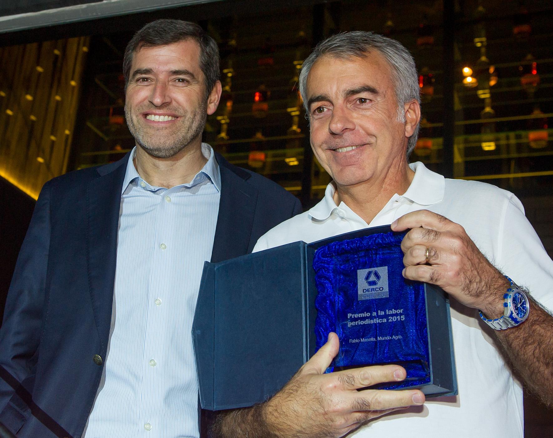 Revista Mundoagro recibe reconocimiento por labor periodística
