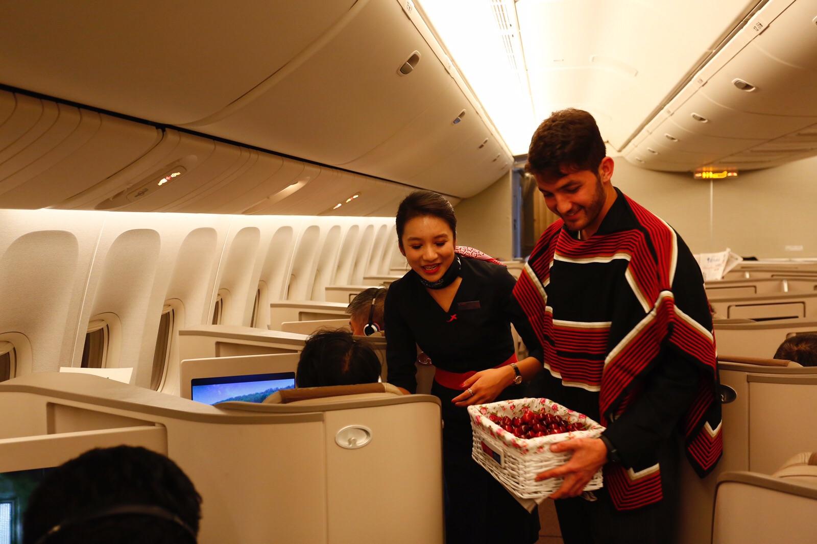 Cerezas de Chile despega con exitosa promoción en vuelos de China