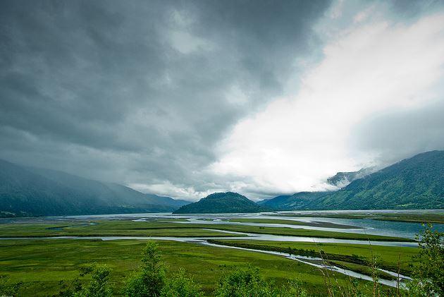 Entregan títulos de Derechos de Agua a pequeños productores de Aysén