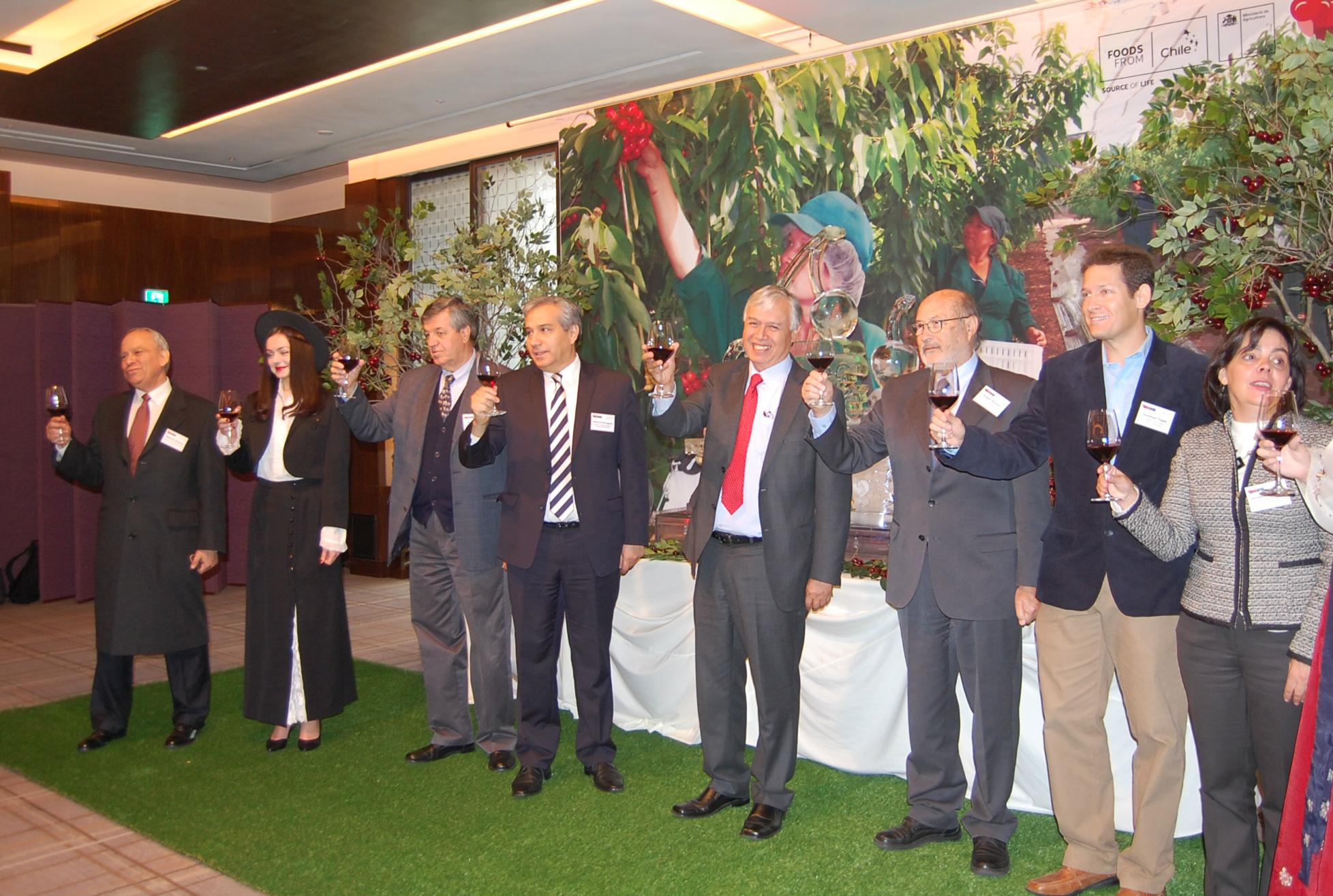 Chile celebra en Seúl la entrada de cerezas chilenas a Corea