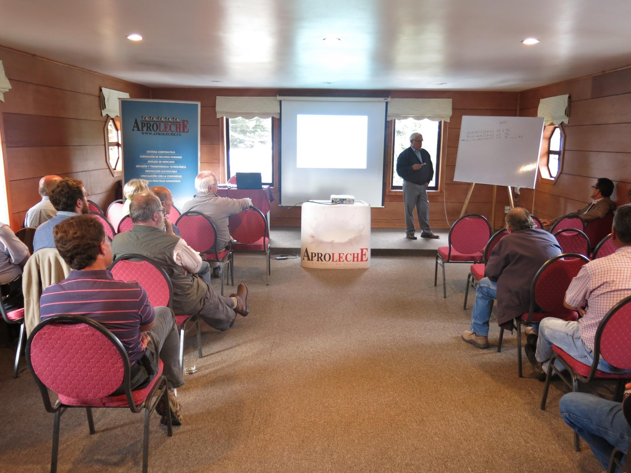 Con éxito Aproleche Osorno realiza primer taller de Reforma Tributaria