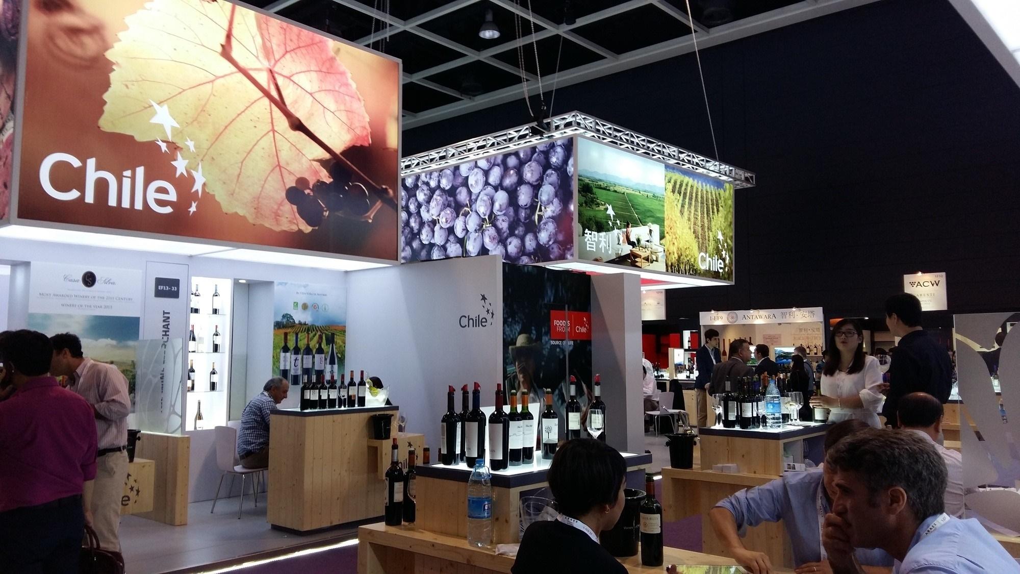 Viñas chilenas destacan en Vinexpo de Hong Kong