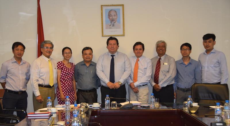 Avanza el proceso para lograr el ingreso de fruta chilena a China y Vietnam