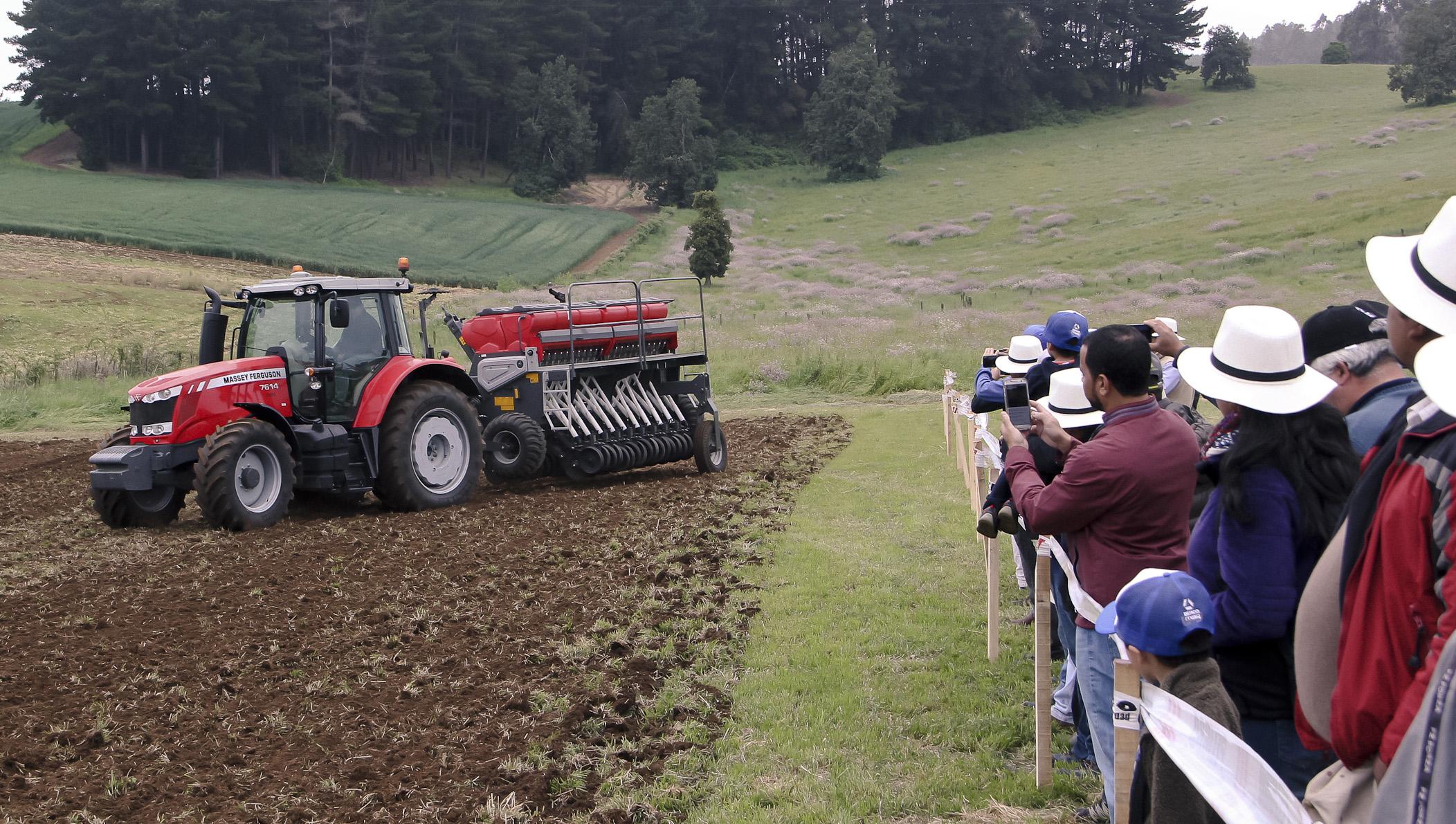 DercoMaq exhibió equipos de última tecnología durante Día de Campo