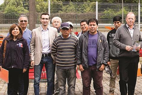 Agricultores de la región de Los Ríos visitan planta de Metalúrgica Hund
