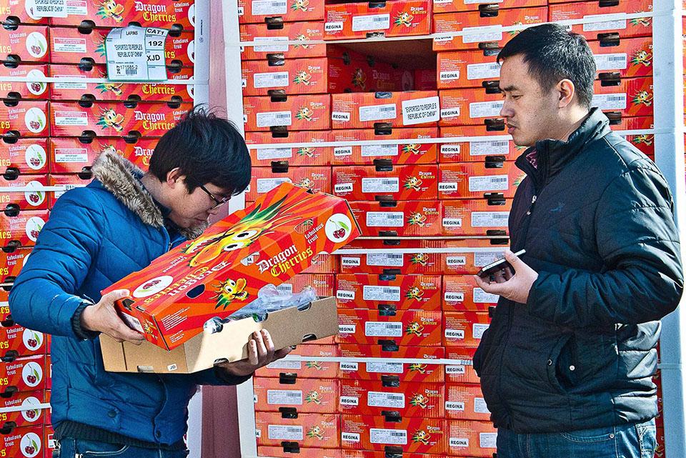 Año Nuevo Chino elevó los precios de la fruta importada