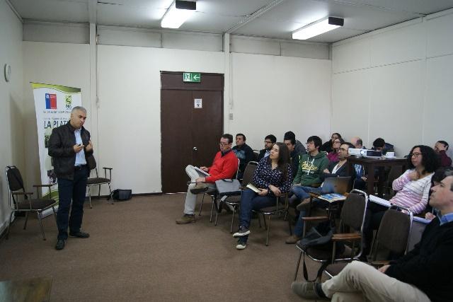 Investigador turco entrega avances de mejoramiento genético en vides y kiwis