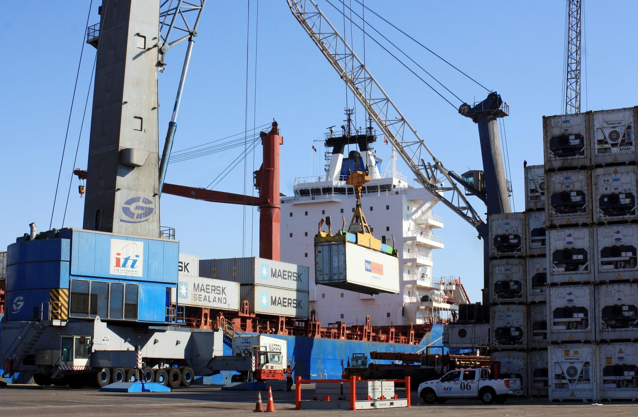 Puerto de Valparaíso se suma al paro de aduanas