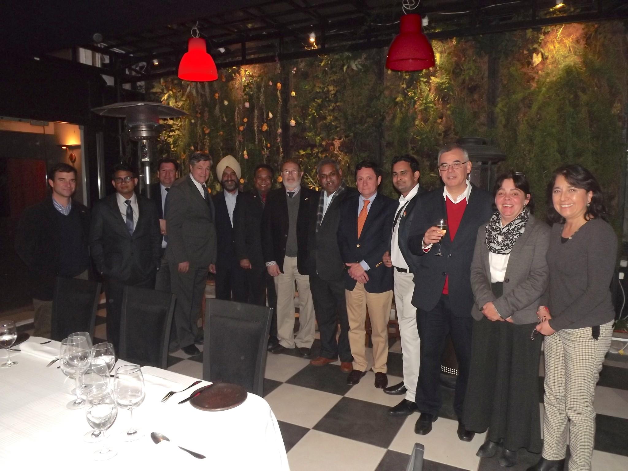 Delegación India viaja a Chile para conocer industria frutícola en terreno