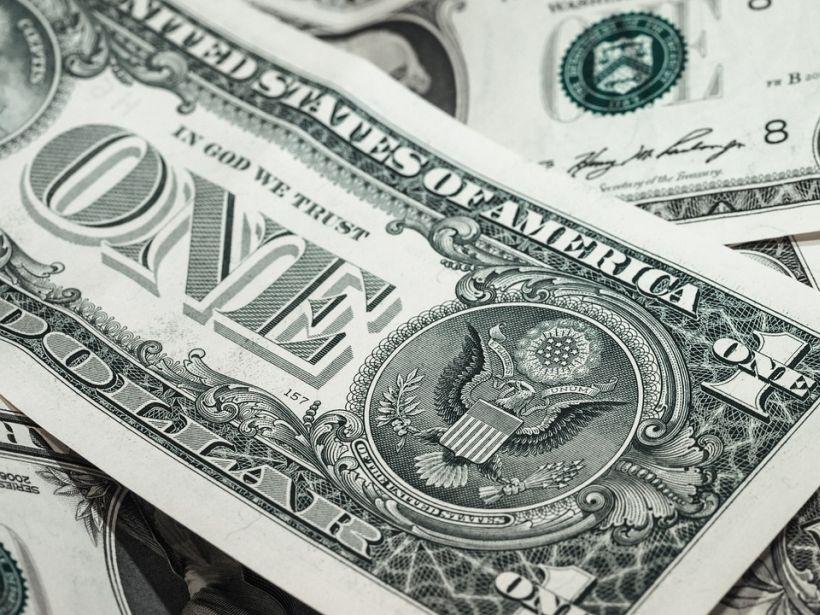 ¿Cómo deben enfrentar los productores la baja del dólar?
