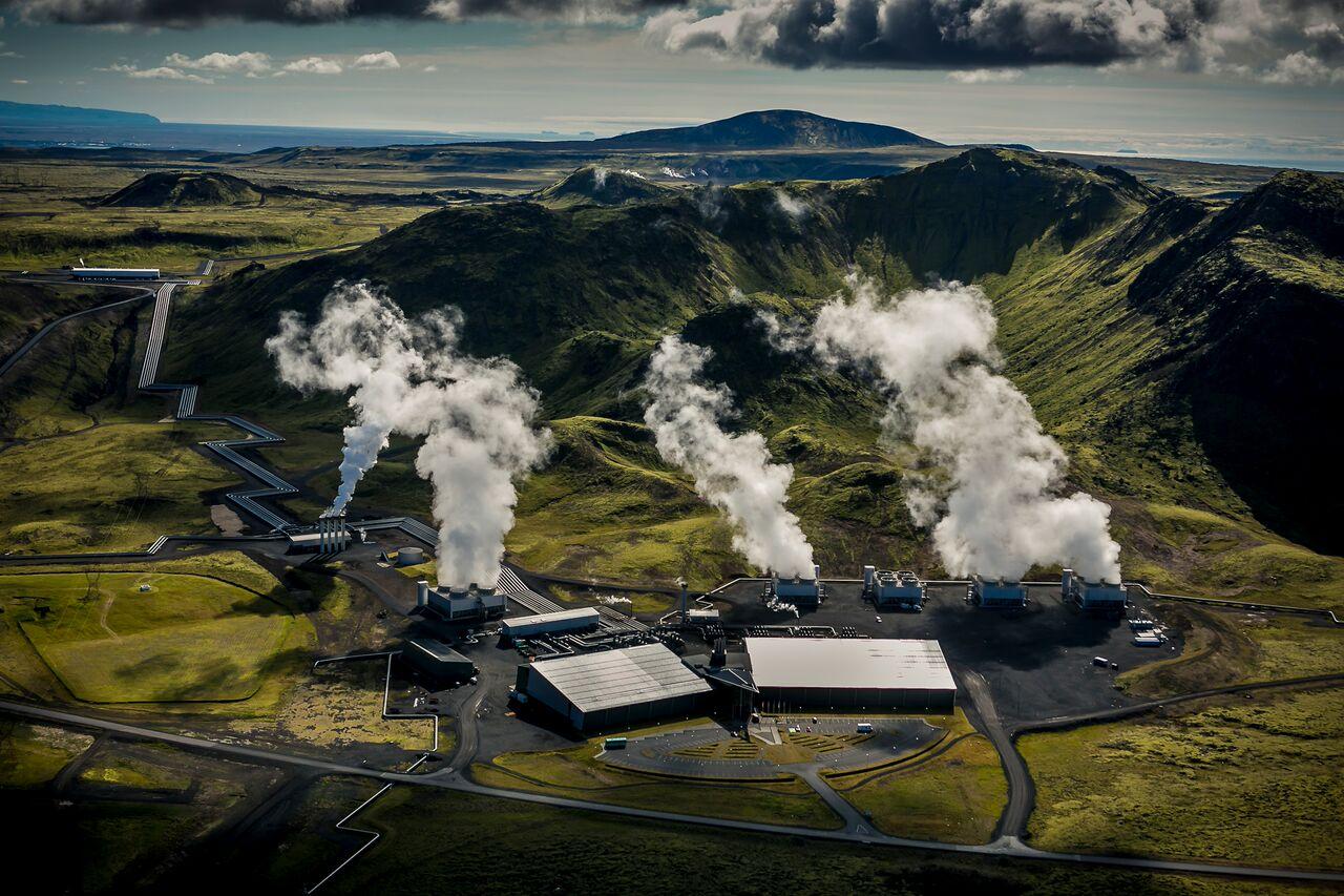 Inauguran planta energética que convierte el CO2 del ambiente en roca