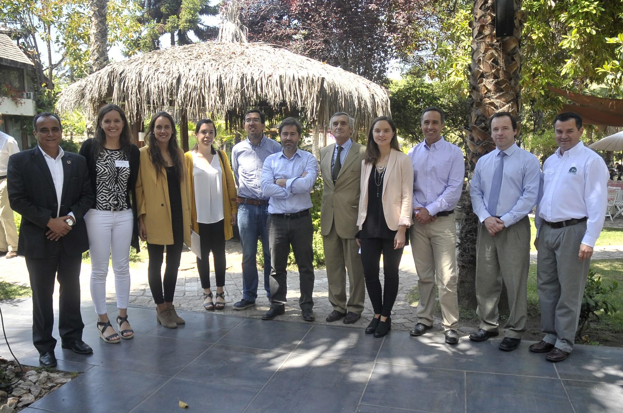 Lecheros trabajan en promoción en Chile y conocer experiencias internacionales