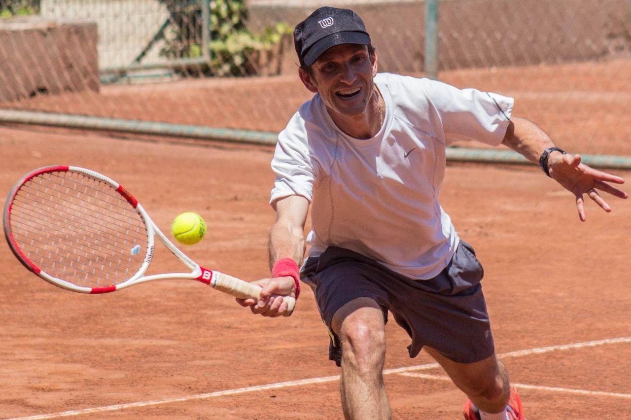 Un peloteo entre generaciones - Felipe Martin