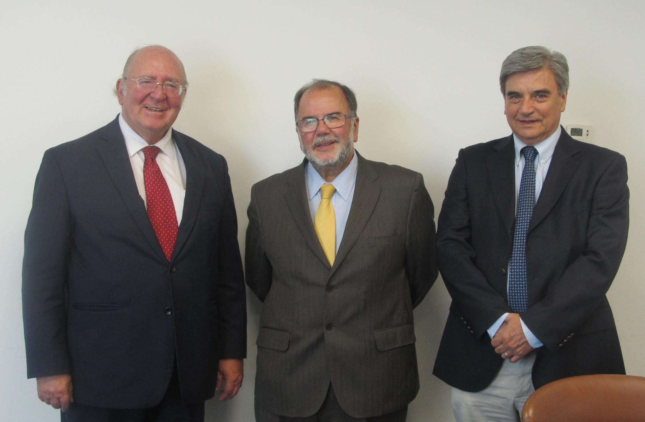 Fedefruta se reunió con el Ministro de Economía para abordar el  tema del dólar