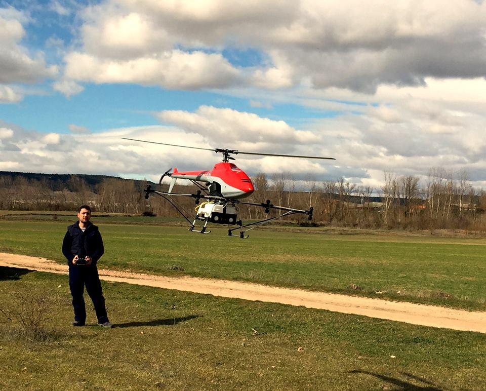 Desarrollan un 'dron' fumigador para bosques
