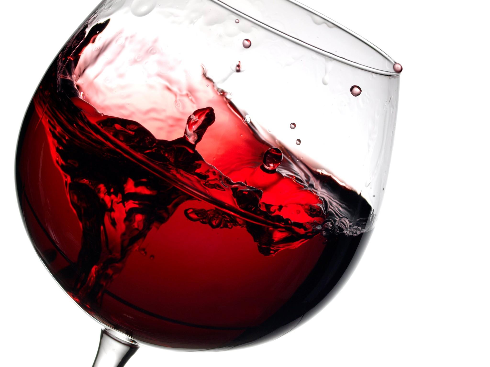 Técnica con ultrasonido para mejorar los vinos