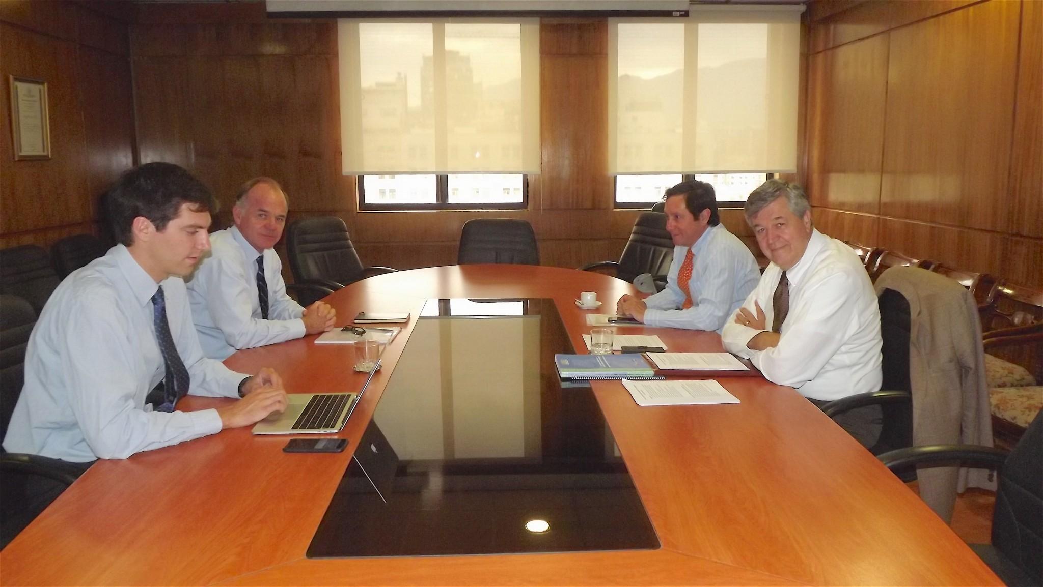 Asoex se reunió con Ministro Walker para abordar los desafíos de la fruticultura
