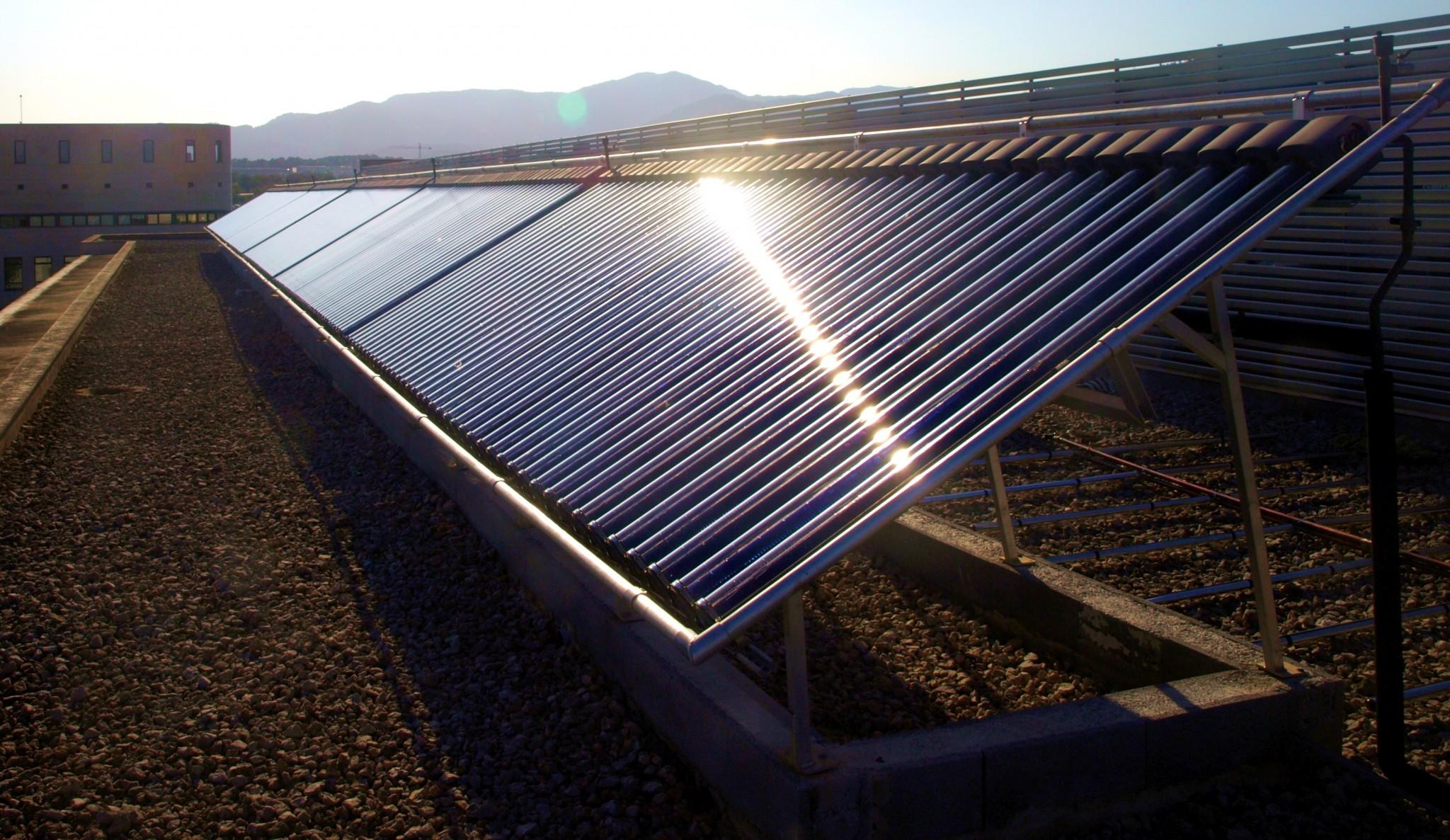 Esterilizan tierra de viveros con energía solar