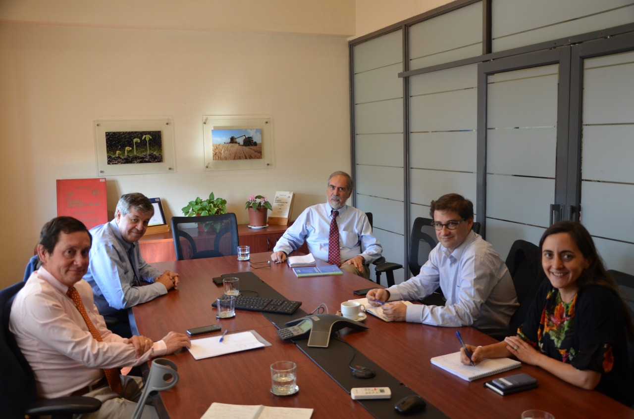 Asoex se reunió con el nuevo Director de Odepa Gustavo Rojas