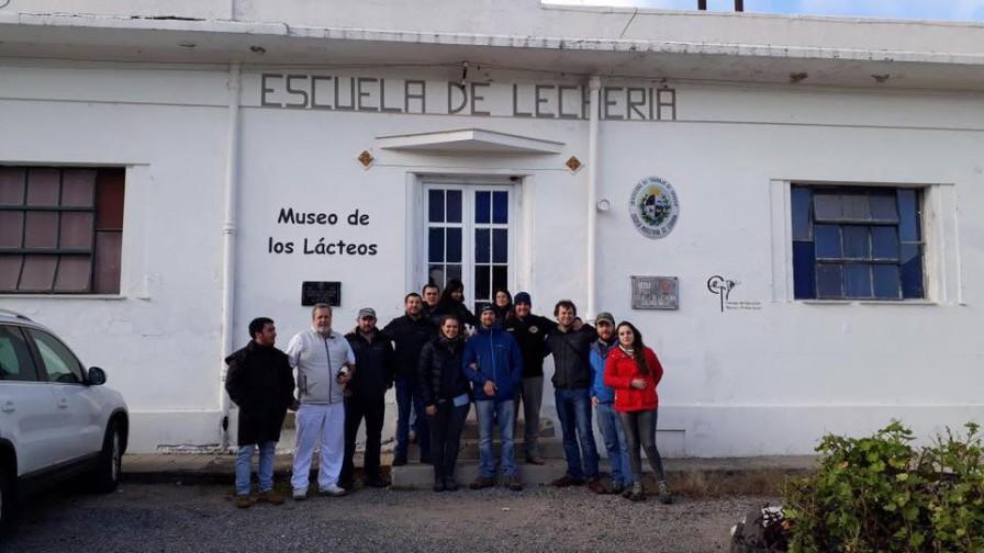 Productores nacionales conocen cadena productiva láctea de Uruguay