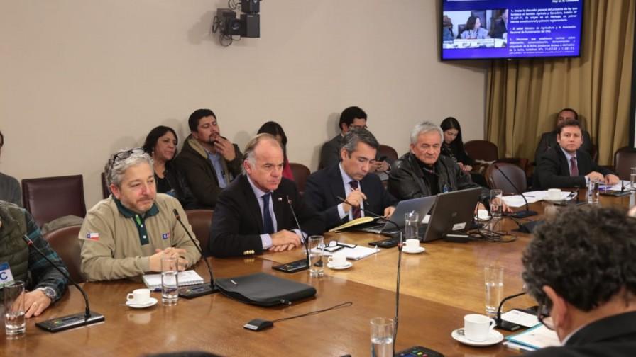 Comisión de Agricultura aprueba proyecto que fortalece al SAG