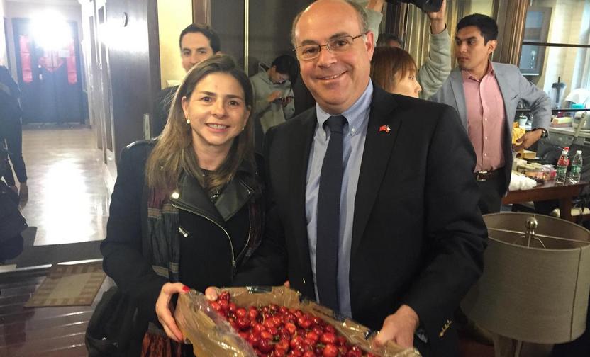 Presidente de Fedefruta visitó China para conocer cómo llega la fruta chilena