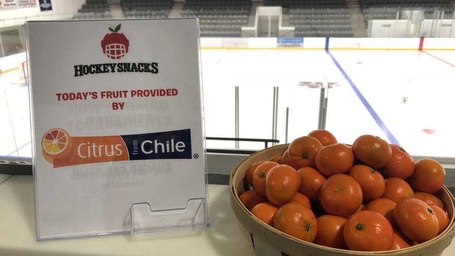 Citrus from Chile realiza original campaña con jugadores de hockey en Canadá