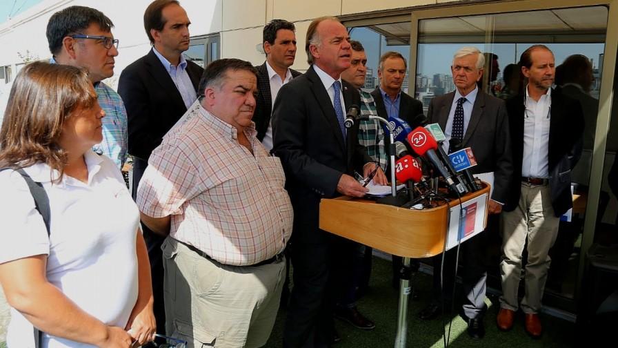 """""""A Chile no le faltarán alimentos"""", Ministro de Agricultura hace un llamado a la calma"""