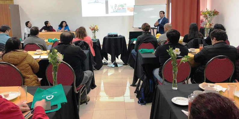 Empresas de berries participan en reunión desayuno sobre Norovirus y hepatitis A en Quality Lab