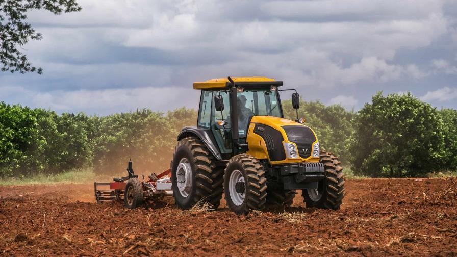 Robustez, innovación y confiabilidad: tractores Valtra vuelven a Chile