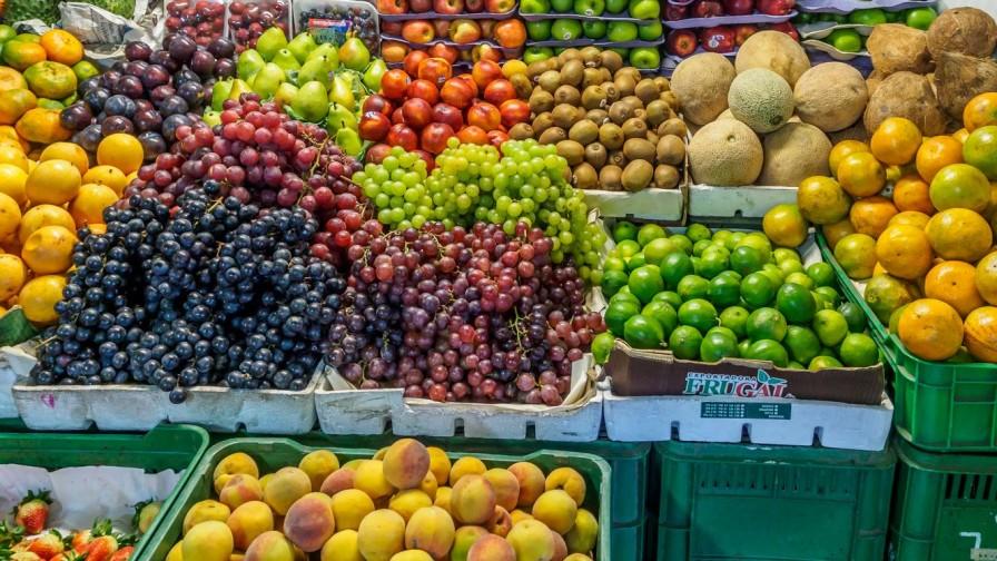 No hay evidencia que demuestre la transmisión de COVID-19 a través de alimentos o sus envases