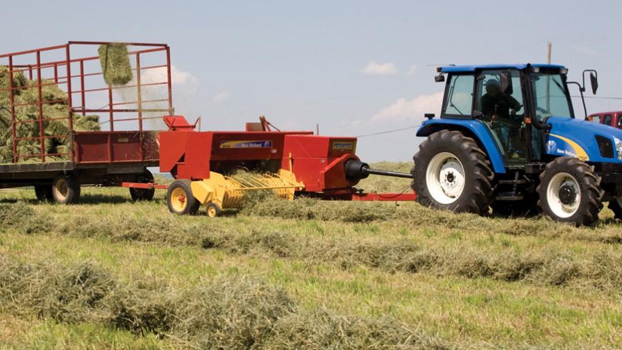 Mejoras en las enfardadoras BC5000 de New Holland Agriculture aumentan productividad